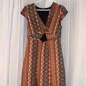 Boho print maxi dress with twisted front keyhole